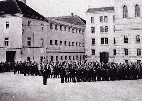 Die Haftanstalt in Stein (1945)